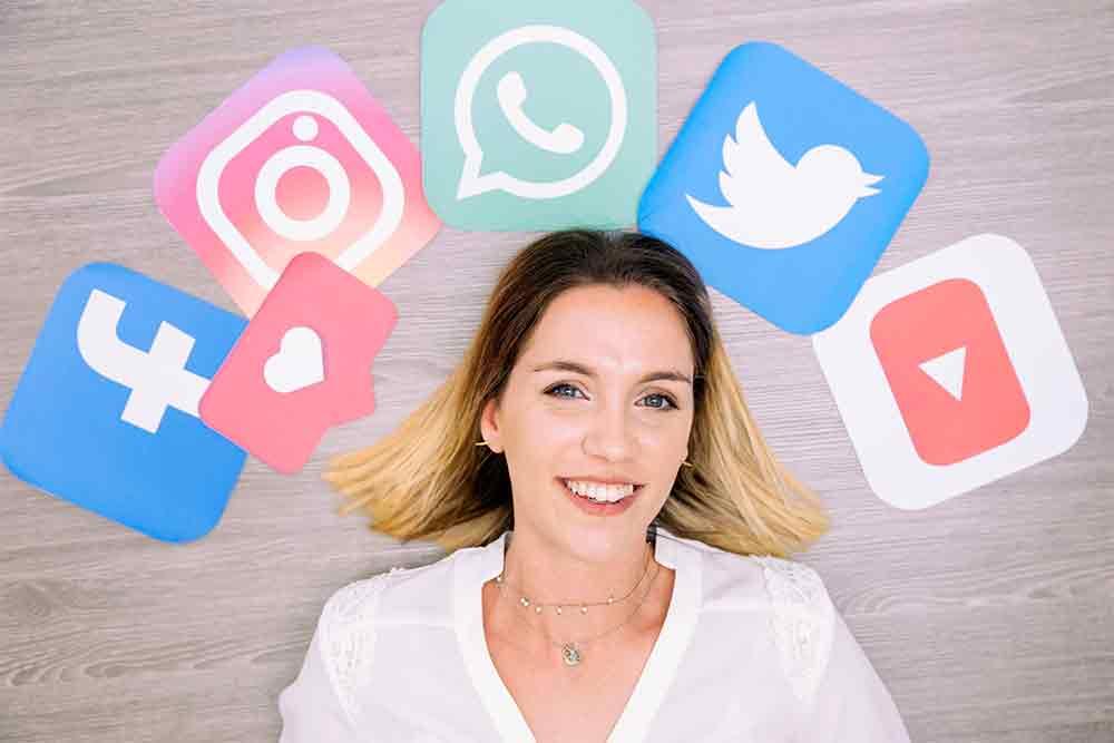 Différence entre social media manager et community manager